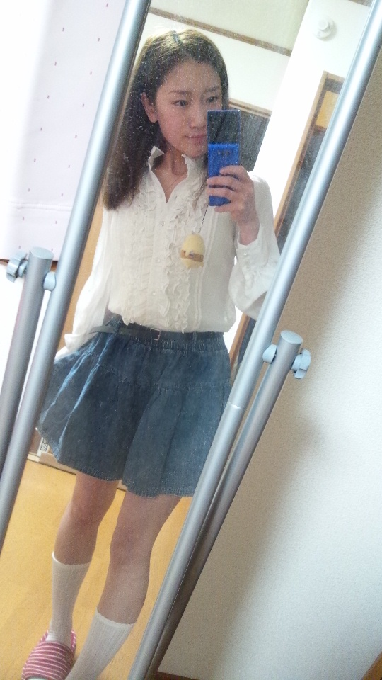 春ファッション*白ブラウス+デニムスカート♪